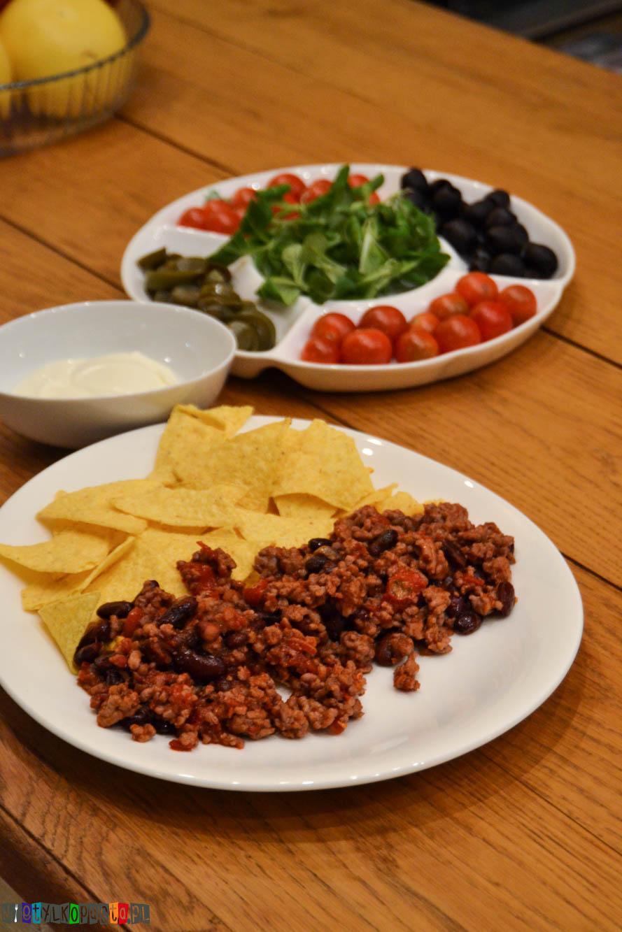 nachos z chili con carne