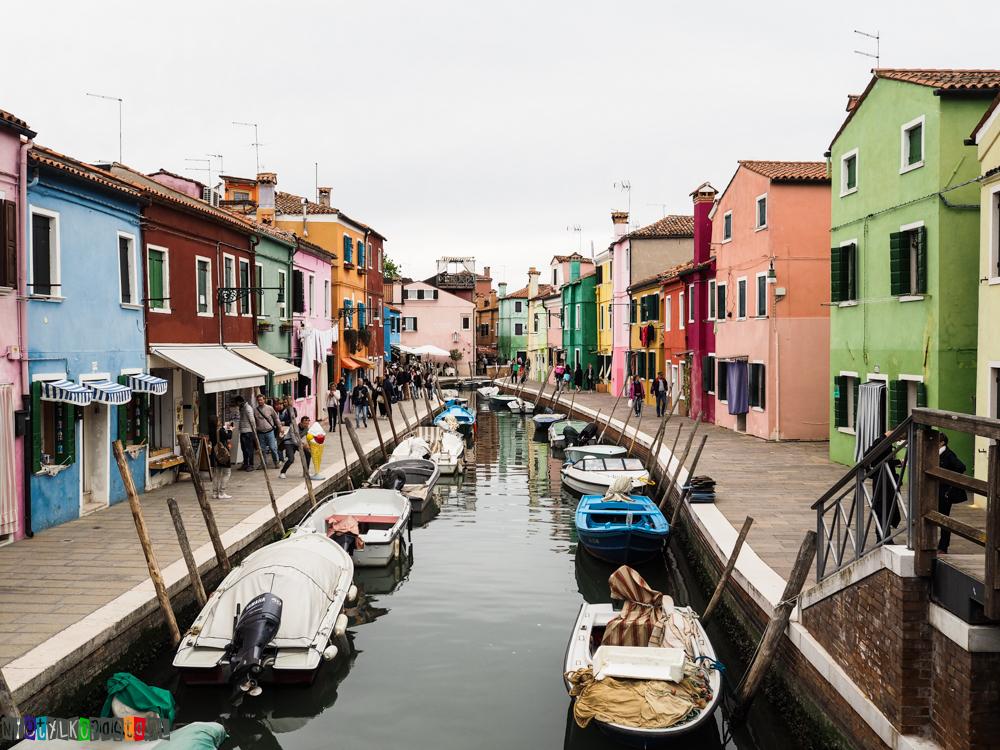 Kolorów wyspa Burano - okolice Wenecji